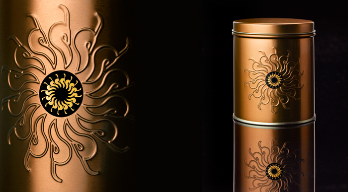 2-yswara-tin-detail-close-up