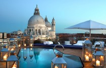 Top 5 Most Romantic Hotel Suites for a Luxury Valentine's Day Getaway