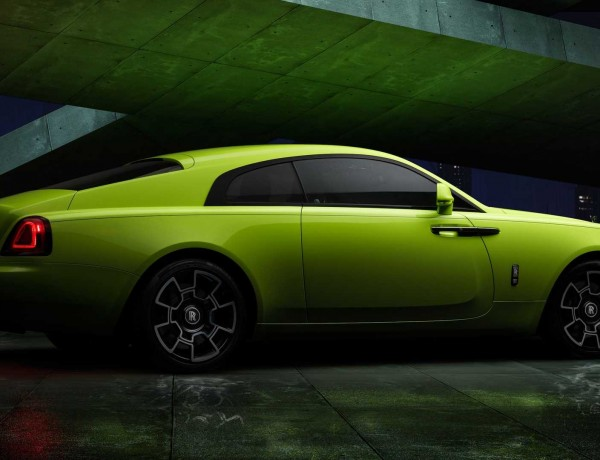 rolls-royce-black-badge-neon-nights-Lime-Rock-Green