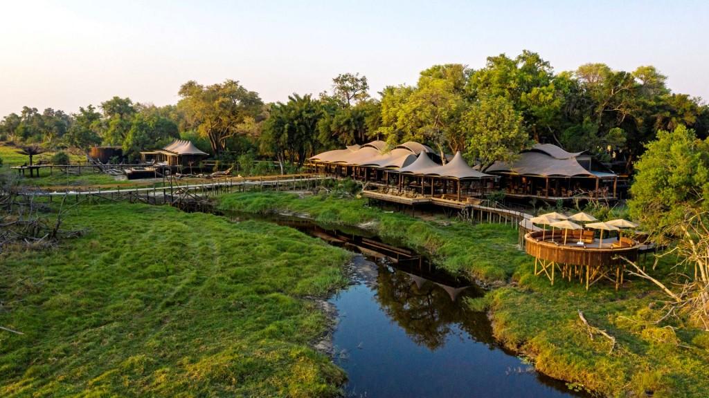 Xigera Safari Lodge is aluxury Safari in Moremi reserve, Botswana