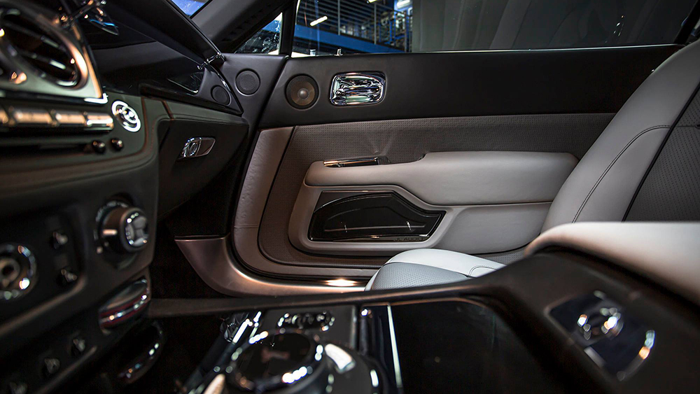 West Coast Customs also created a bespoke interior for Bieber