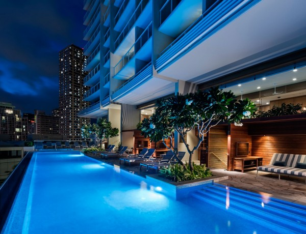 Infiniy-pool-ritz-carlton-Waikiki