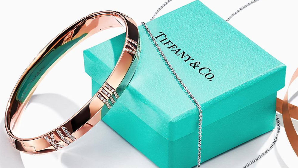 The Tiffany blue box packaging helps its status as a luxury brand